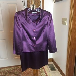 Kate Hill Purple 2 Pc Suit 3/4 Sleeve Size 8